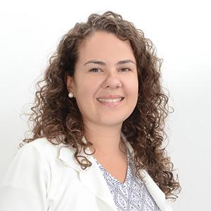 Gerente Camila da Silva